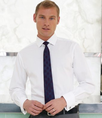 Men's fitted and slim fit shirts